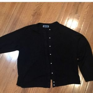 🎄FRIDAY SALE SOFT CARDIGAN W/PEARL BUTTONS